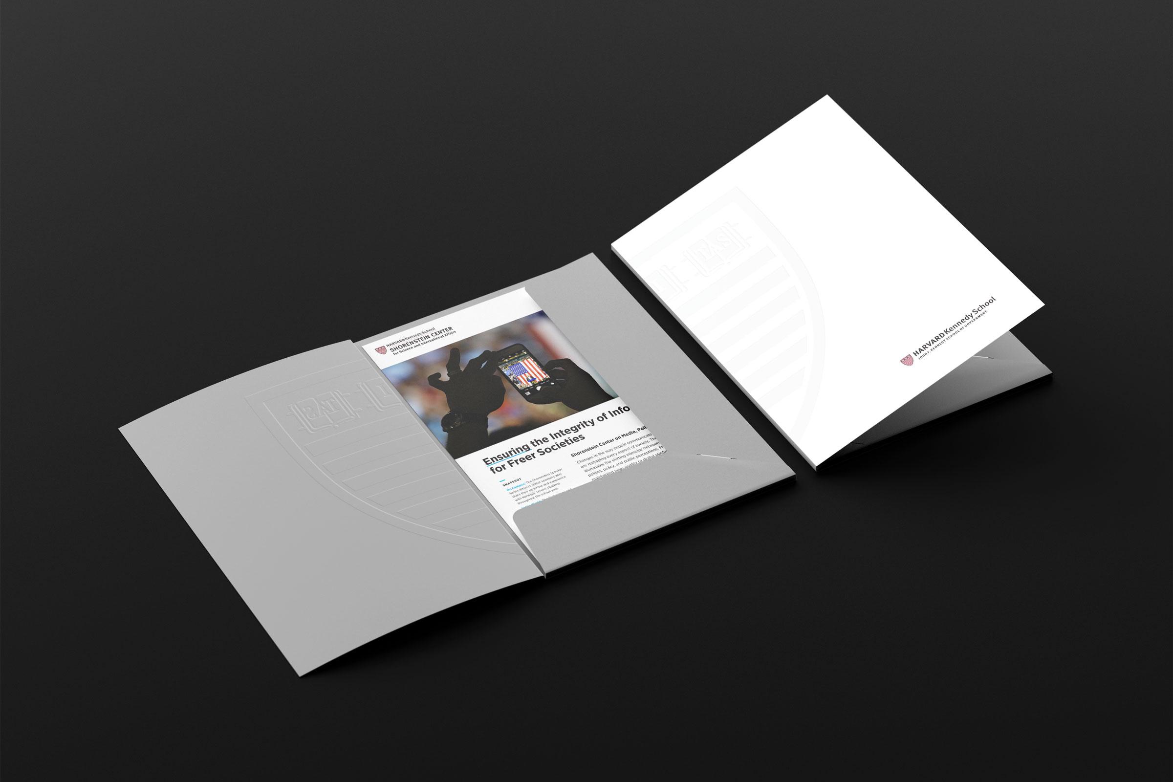 Folder_Mockup_3